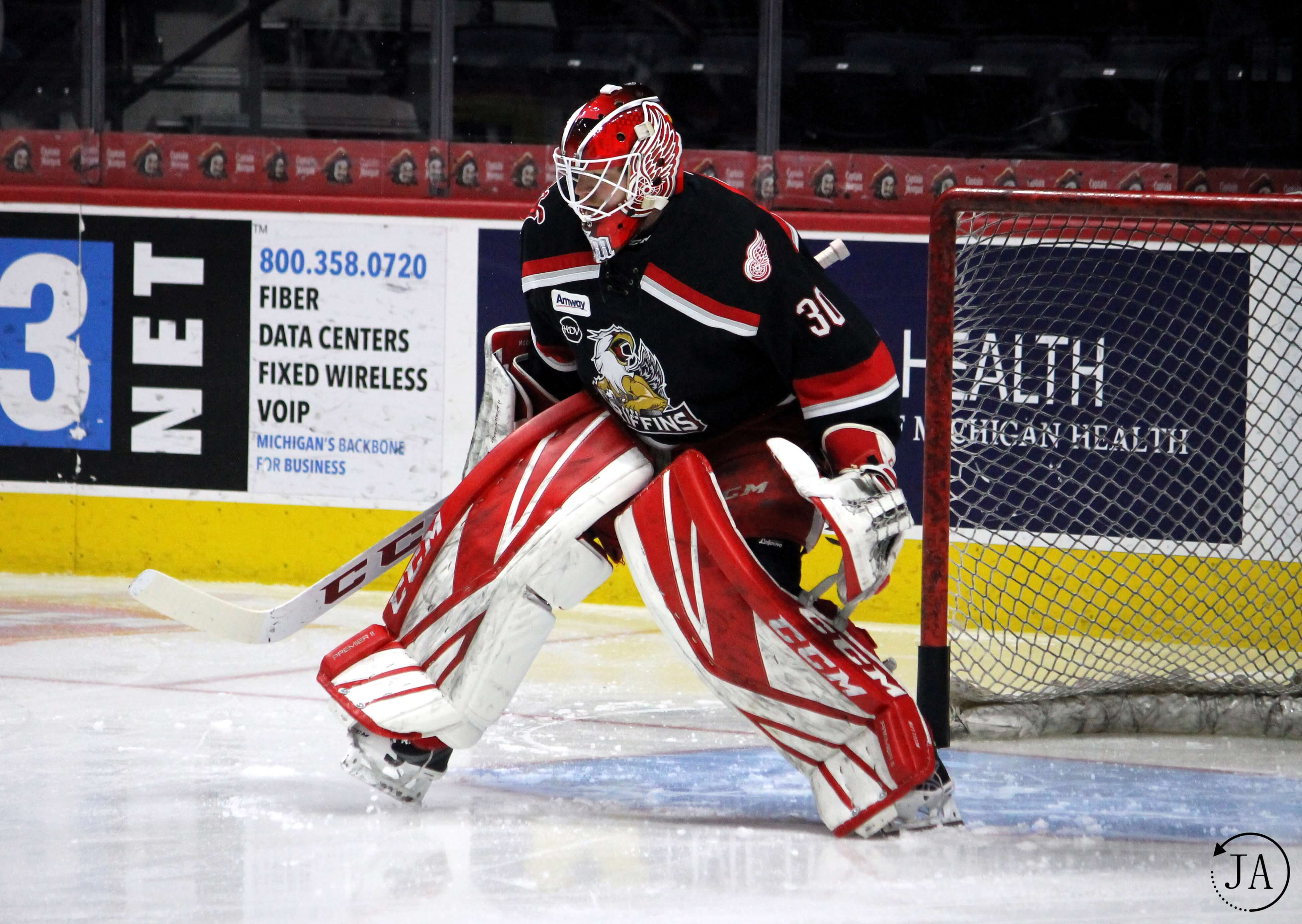 warm up-tom mccollum-starting goalie-grand rapids griffins-griffins hockey